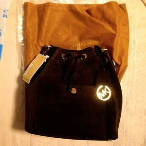 MK Md Bucket Bag Leather